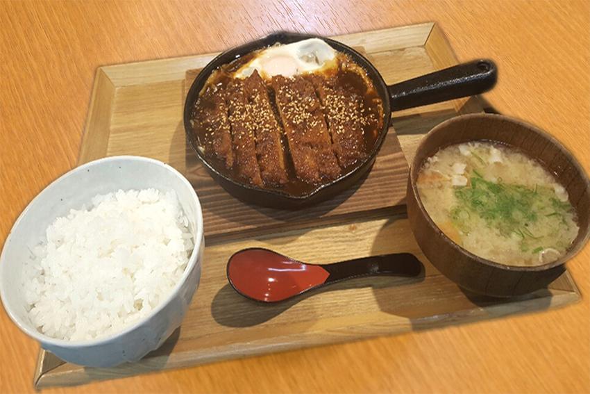 鉄板味噌カツ定食