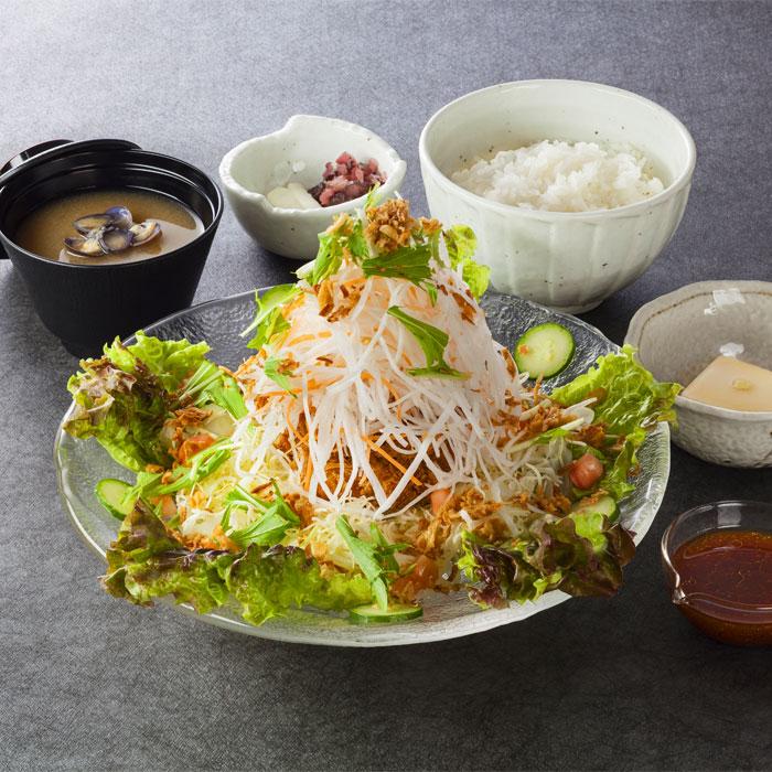サラダ風ヒレかつ定食 1,380円